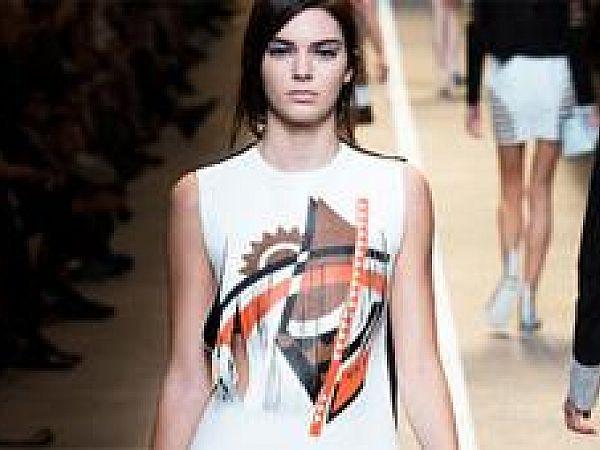 Стильное дополнение к футболкам с принтом – тренд лета 2016